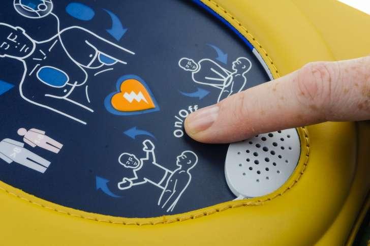 defibrillatore nelle scuole